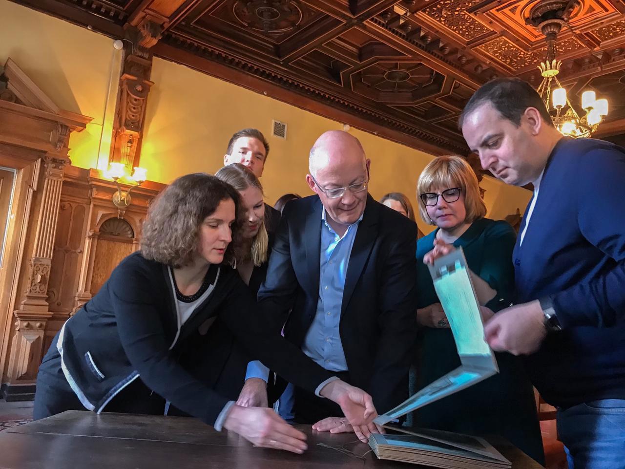 23 марта с рабочим визитом в Российский музей медицины прибыл Сэр Йан Крейг Блэтчфорд - директор Science Museum Group